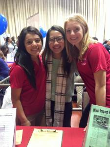 Hannah Poore with fellow SERVE Committee members (Sharon Leyva and Cora Cha) help out at the Spring Community Service Opportunities Fair.